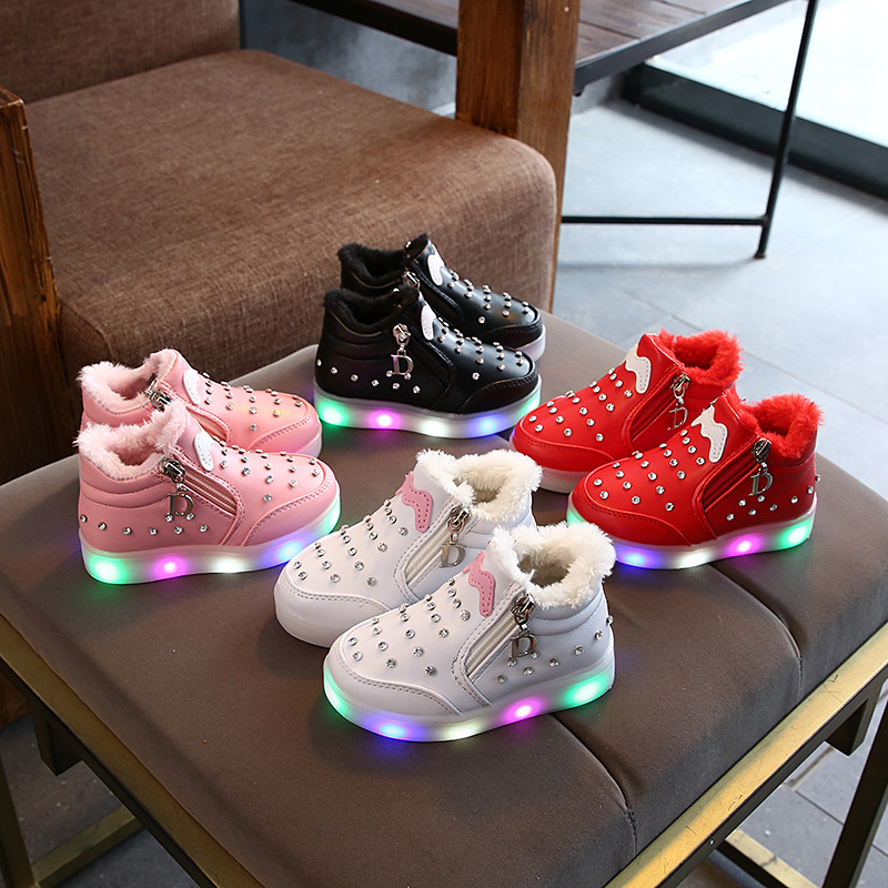 2020 Fashion Warm Keep Children Shoes Beautiful LED Lighting Kids Sneakers Cute Baby Girls Boys Boots Cute Infant Tennis