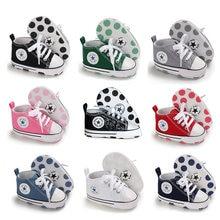Recém-nascido menino menina sapatos primeiros caminhantes infantil sapatos de bebê branco macio anti-deslizamento sola unisex criança casuais lona berço sapatos