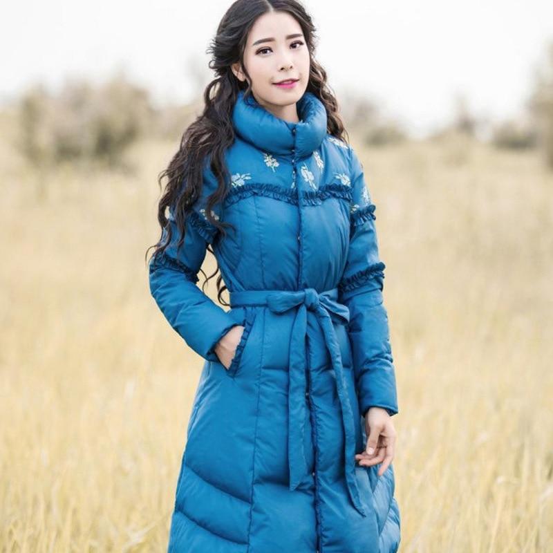 In de winter 2017 nieuwe vrouwen temperament cultiveren moraal geborduurde riem lange donsjack light string