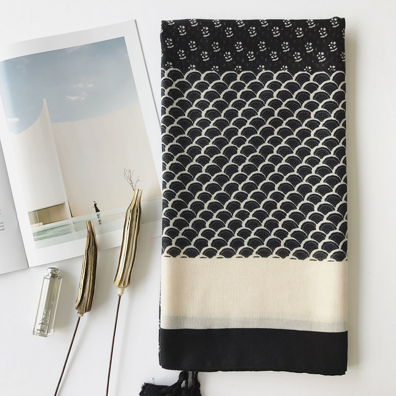 Luxury Spring And Autumn Women Cotton And Linen Silk Scarves Sunscreen Quality Cotton Shawl Fashion Color Matching Print Scarf