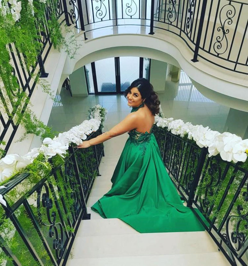 Emerald Green Prom Dresses 2020 High Neck Appliques Lace High Low Backless Graduation Gown Formal Evening Party Dresses