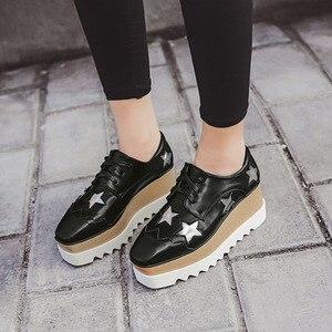 Image 5 - Обувь COWCOM со звездами, обувь на платформе, на высоком каблуке, с квадратным носком, на танкетке, женская повседневная обувь, женская обувь