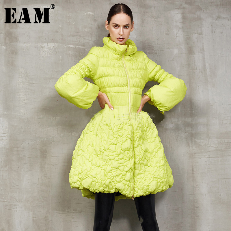 [EAM] Loose Fit Big Hem Pleated Down Jacket New Stand Long Puff Sleeve Warm Women Parkas Fashion Tide Spring Autumn 2020 1A380