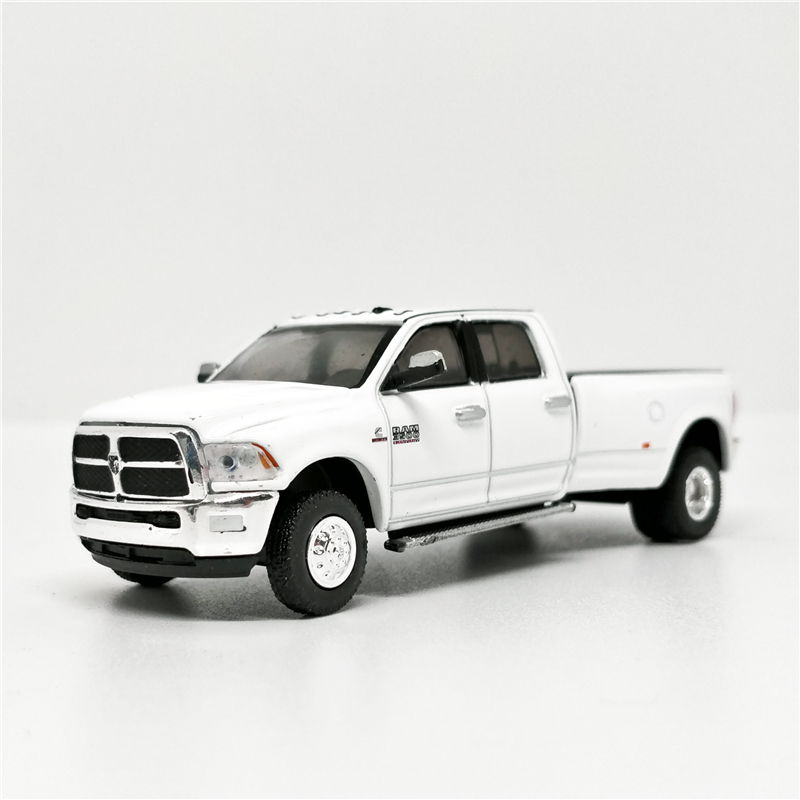 Greenlight 1:64 2018 Dodge Ram 3500 Laramie Pick Up Truck White No Box