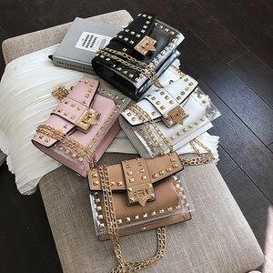 Image 4 - Mała przezroczysta marka projektant kobieta 2019 nowych moda torba torebka na ramię z łańcuszkiem aksamitne nity przezroczysta kwadratowa torebka z PU