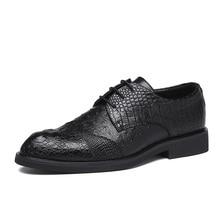 2020 Men Dress รองเท้ารองเท้างานแต่งงานอย่างเป็นทางการรองเท้าหนังหรูหราแกะสลักสำนักงานธุรกิจผู้ชาย Oxfords สำหรับชาย