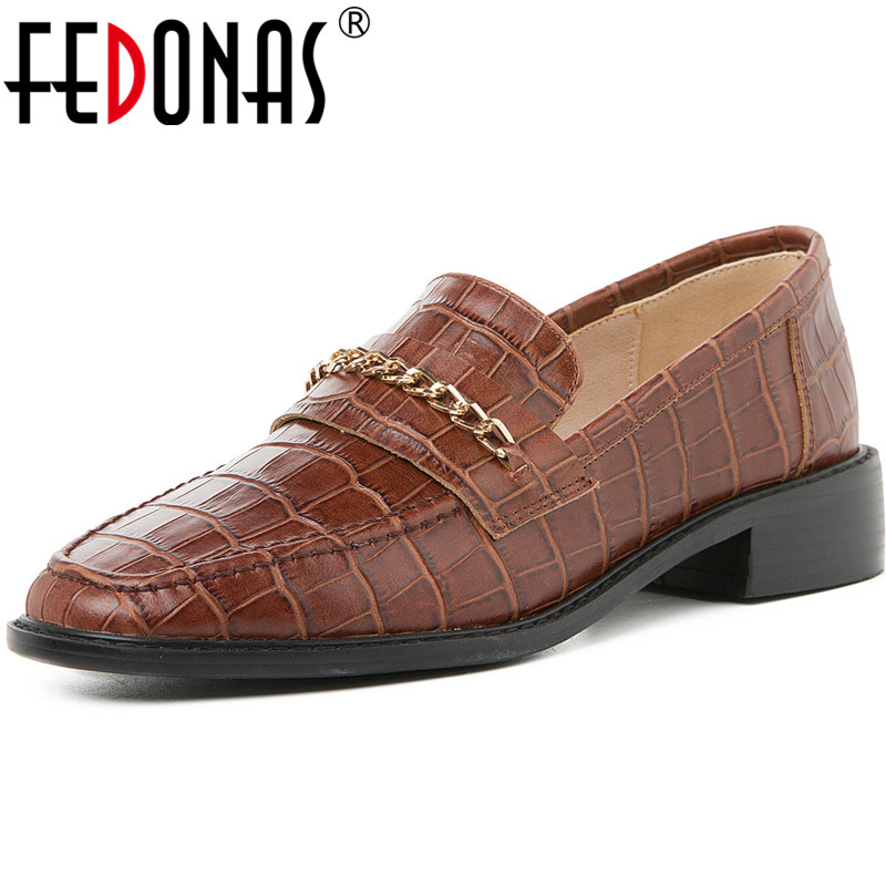 FEDONAS Genuine Leather Pumps Quality Elegant Women Metal Decoration Round Toe Office Pumps Ladies Sping Brand Shoes Woman