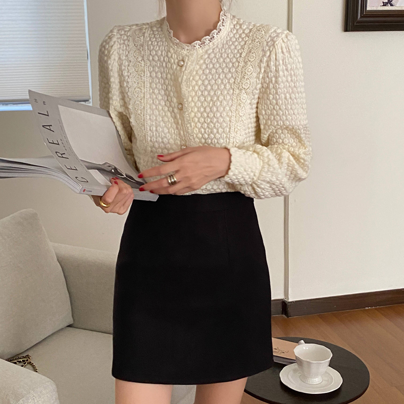 H84c7c5d5fe1344f3baf59fc38a2db512L - Spring / Autumn O-Neck Long Sleeves Lace Buttons Blouse