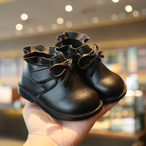 Image 4 - Claladoudou 12 16cm 브랜드 벨벳 내부 초기 겨울 아기 부츠 귀여운 Bowtie 공주 아기 소녀 첫 번째 생일 파티 신발