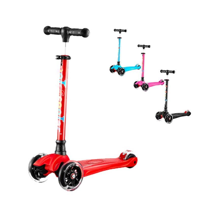 Fabricants vente directe pédale enfants Scooter 2-3-6 ans enfants trois 3-rond en alliage d'aluminium Pu clignotant roue glissante