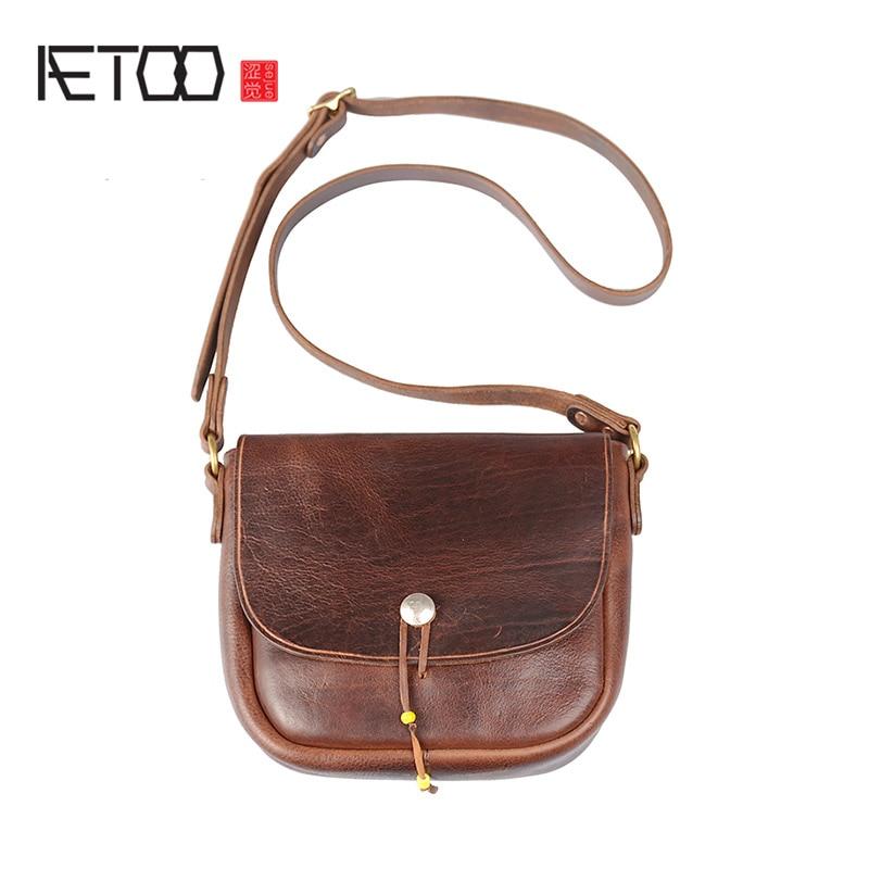 AETOO Implanted cowhide slant bag, coin buckle postman bag, leather men's one-shoulder bag