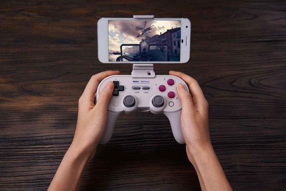 8BitDo Smartphone Clip for SN30 Pro+ Bluetooth Gamepad 12