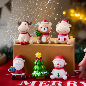 Christmas Decoration Accessories Santa Claus Christmas Tree Snowman Xmas Eve Gift Home Decoration Resin Ornaments New Year Gift
