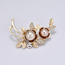 Flower Brooch Pins Metal Brooches for Women Accessories Simulated-pearl Badges on Backpack Plant Hijab Pin Woman Jewelry Crystal simulated pearl brooch pins metal pins for clothes vintage women s brooch for clothes crystal brooches for women jewelry luxury