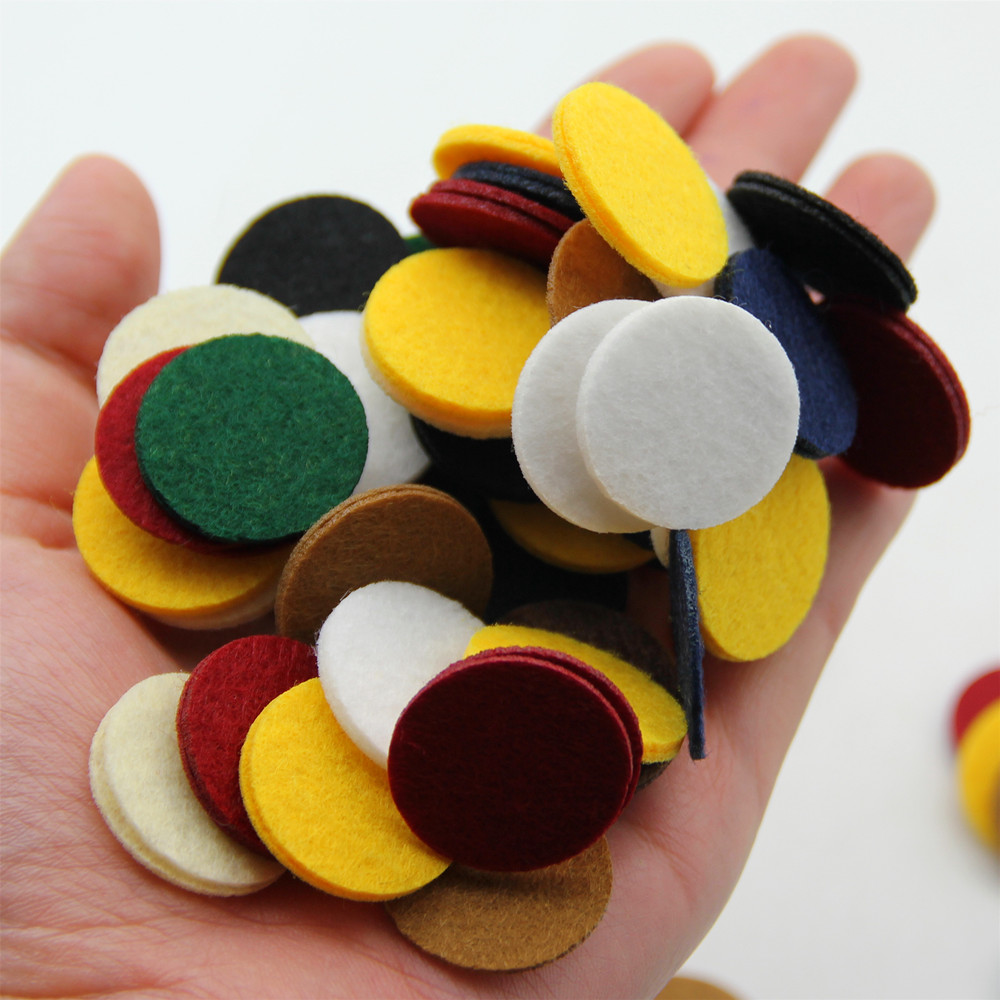 100pcs 2.5CM Colorful Round Nonwoven Felt Patches Fabric Polyester Cloth Felts Pads DIY Bundle For Sewing Toys Dolls Accessories