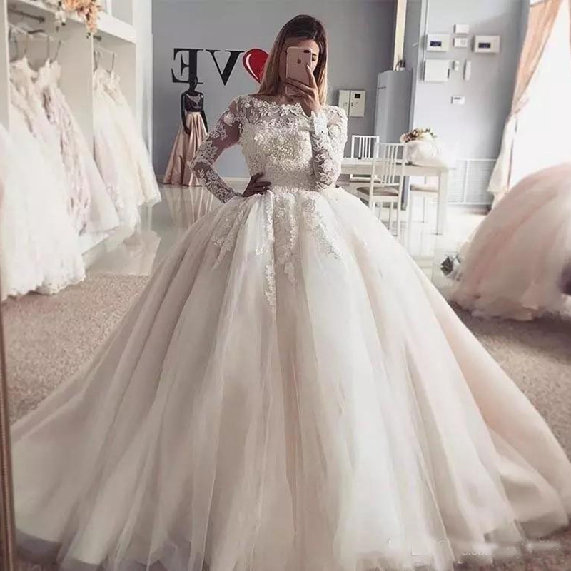 2019 Vintage Princess Wedding Dresses Puffy Skirt Long Sleeves Lace Appliqued Tulle DHgate White Bridal Gowns Plus Size