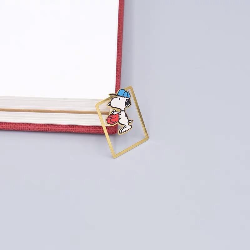 5pcs Peanuts Snoopy Kawaii Bookmark Cute Cartoon Characters DIY Metal Bookmark Book Mark Book Markers School Office Supplies