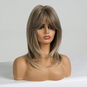 Image 2 - EATON perruque ondulée brune clair mi longue avec frange, perruque Cosplay en Fiber résistante à la chaleur pour femmes