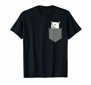 Сердитые женщины орут на запутанный Кот за обеденным столом мем футболка