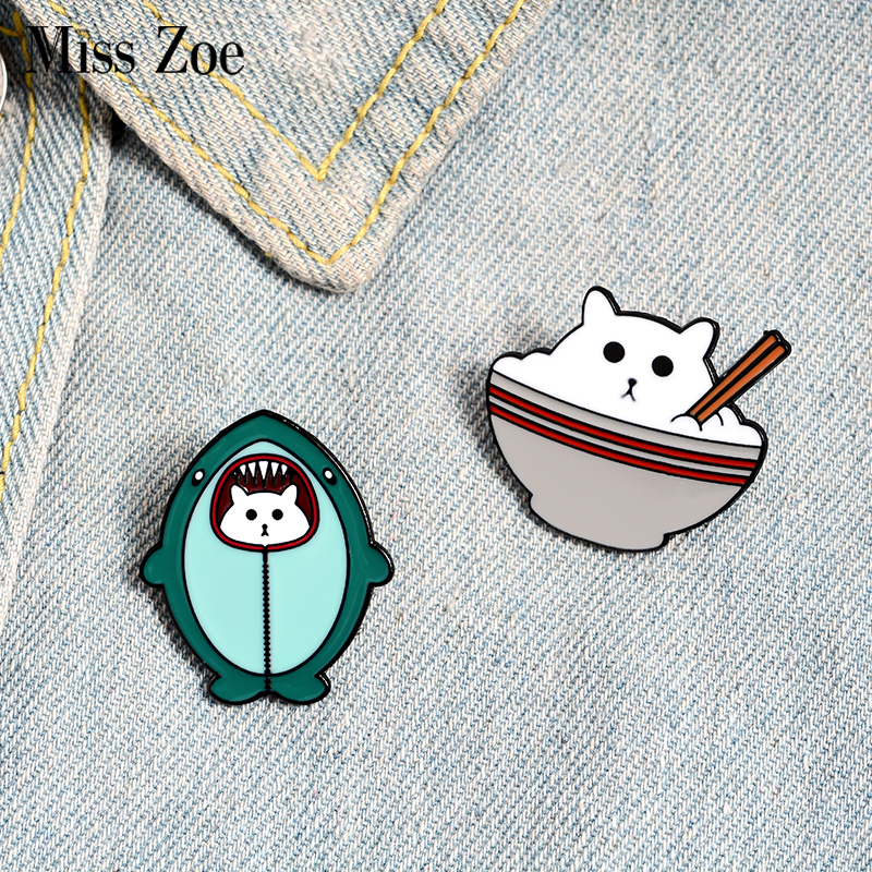 Równość emalia Pin niestandardowy czarny Tag broszki odznaki torba koszula klapie klamra proste cytaty biżuteria prezent dla dzieci przyjaciela