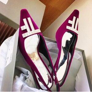 Moda mujer flocado tacones altos Sheos Sexy tacones altos bombas letra en mujeres sandalias de verano vestido de fiesta de la pasarela zapatos 2020