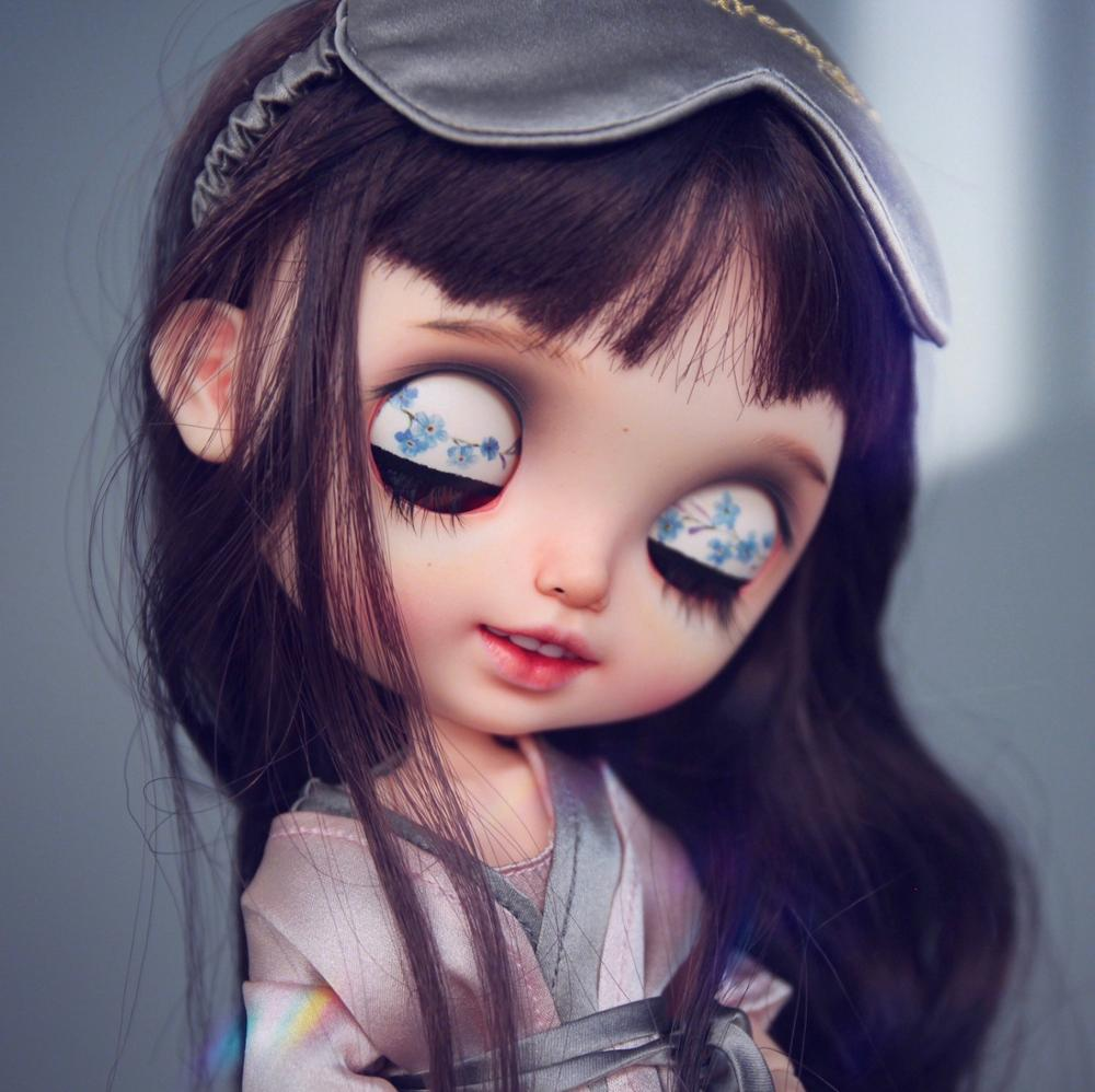 ICY 19 Joint Blyth Doll With Makeup Face White Skin Brunette Toothy Smile Hand Drawn Eyelids DIY Makeup Doll