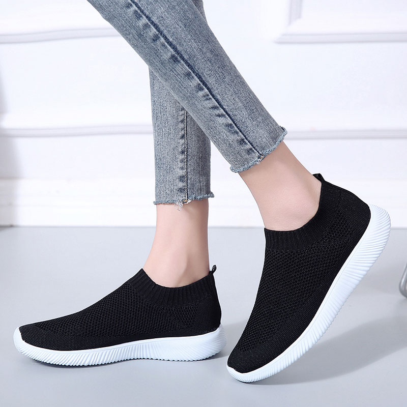 Women Sneakers 2019 New Women Vulcanize Shoes Knitting Women Shoes Comfort Women Flats Loafers Female  Plus Size