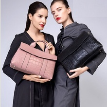 Messenger Totes Leather Cow