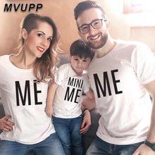 Летняя одежда с надписью «mommy and me» Одинаковая одежда для семьи с надписью «Me» и «MINI me» Отец мать и дочка; одежда для мамы, папы и футболка для девочек-младенцев