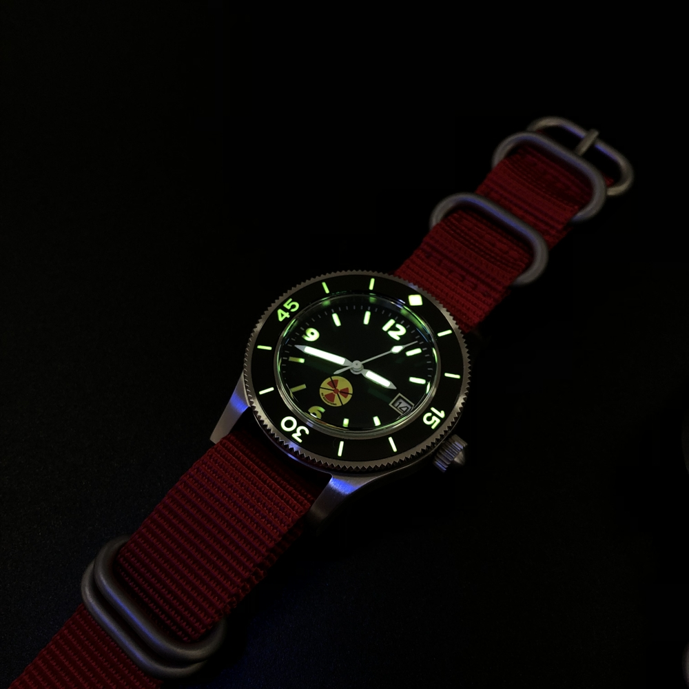 Image 3 - STEELDIVE 1952 China Red NH35 Automatic 300m Diver Watch Mechanical 316L Steel Automatic Watches Men Self Wind 41mm Dive WatchSports Watches   -