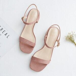 Image 3 - 2020 女性の夏のサンダルの靴女性フロックアンクルストラップスクエアハイヒールハイトかかとエレガントなカジュアルパーティー結婚式の靴の女性ポンプ