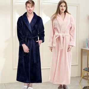 Image 1 - 女性の冬プラスサイズロングフランネルバスローブピンク暖かい着物バスローブセクシーな花嫁介添人ガウン男性ローブナイトパジャマ