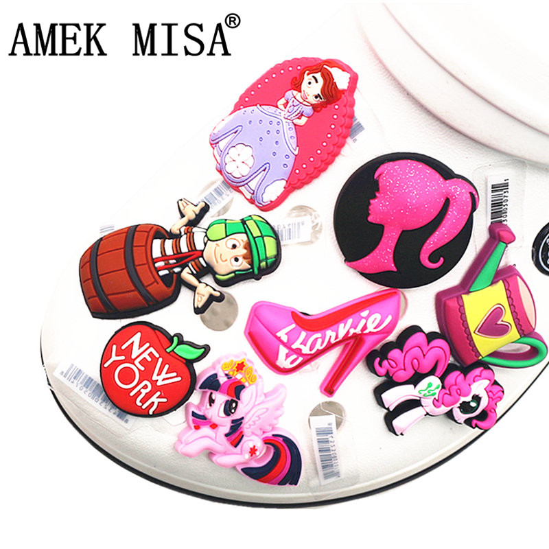High Imitation 1Pcs Cartoon Shoe Charms Accessories Princess Sophia Original Shoe Decoration For Jibz Kid's Party X-mas Gifts