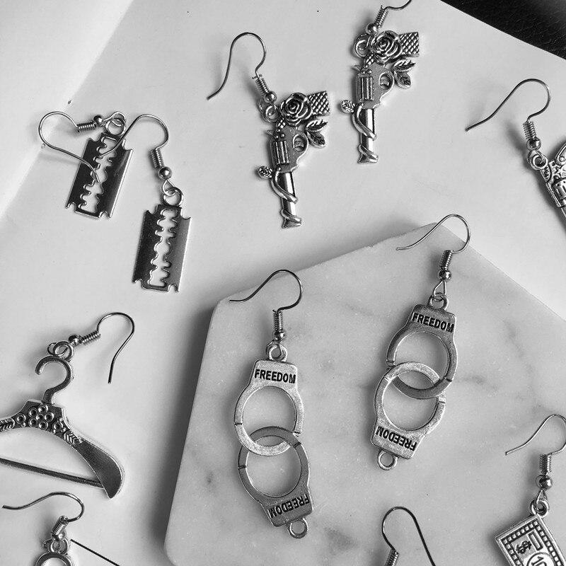 Панк Дешевые Серебристые наручники лезвие пистолет висячие серьги креативные ювелирные аксессуары Женские Простые Модные крутые опт пистолеты|Серьги-подвески|   - AliExpress