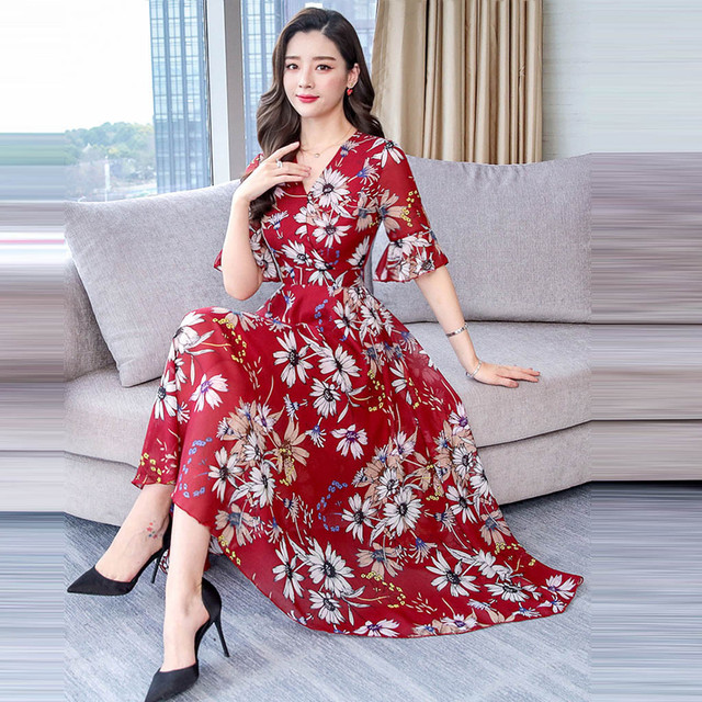 Light and airy summer dress, elbow sleeves calf length 3
