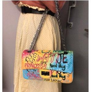 Image 2 - 26 センチメートル中規模カラフルな落書き虹バッグ女性のための 2019 の高級ハンドバッグ女性のバッグデザイナーの女性のクロスボディショルダーバッグ