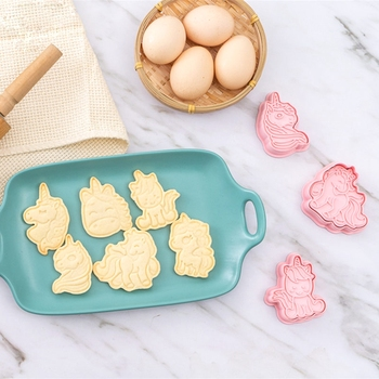 6Pcs/Set DIY Cute Cartoon Unicorn Shape Fondant Cake Cookie Cutter Mold 3D Biscuit Decorating Moulds Kitchen Baking Tools