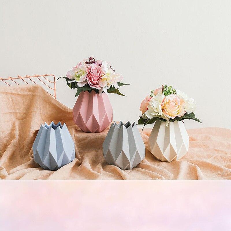 Plain Origami Vase – Tedzukuri Atelier | 800x800
