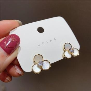 Pendientes colgantes de perlas simples de moda para mujer, joyería Boho de verano hecha a mano, pendientes de concha de mar Natural para niñas