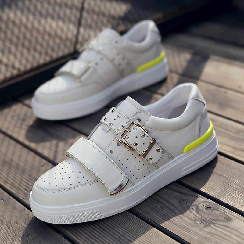 Luxe Klinknagels Metalen Decoratie Schoenen Mannen Echt Lederen Sneakers Ademend Straat Stijl Toevallige Witte Flats Fashion Party Schoenen