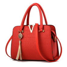 Best Selling New Crocodile Pattern Ladies Bag Messenger Shoulder Tassel Leather Handbag