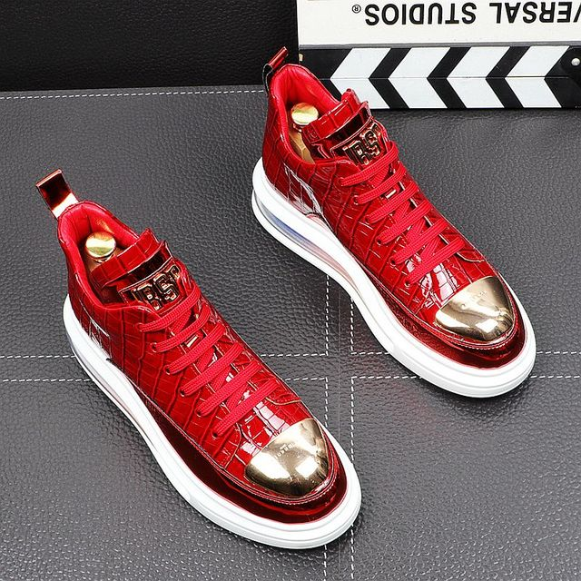 Primavera de 2021 nueva marca diseñador de hombres de la placa de Metal de cuero de aire alta Tops zapatos casuales pisos mocasines de Punk Rock zapatillas de deporte 4