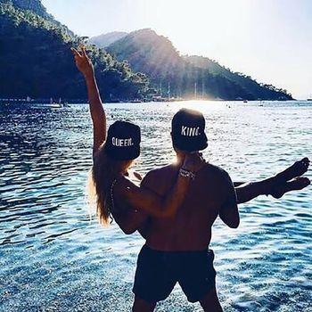 Czapki sportowe kobiety mężczyźni płaskie rondo królowa król list haftowana bawełna kapelusz dla dorosłych Outdoor nakrycia głowy akcesoria sportowe tanie i dobre opinie CN (pochodzenie) WOMEN Sunshade Osłona przeciwsłoneczna COTTON