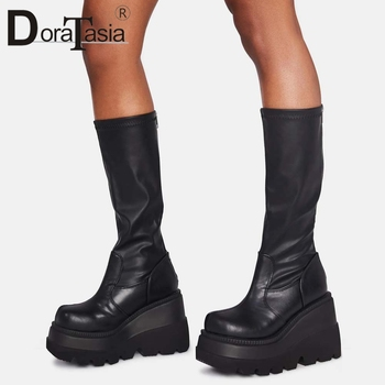 Γυναικείες ψηλές μπότες πλατφόρμα μαύρες με φερμουάρ και κορδόνι μεγάλα νούμερα 35-43