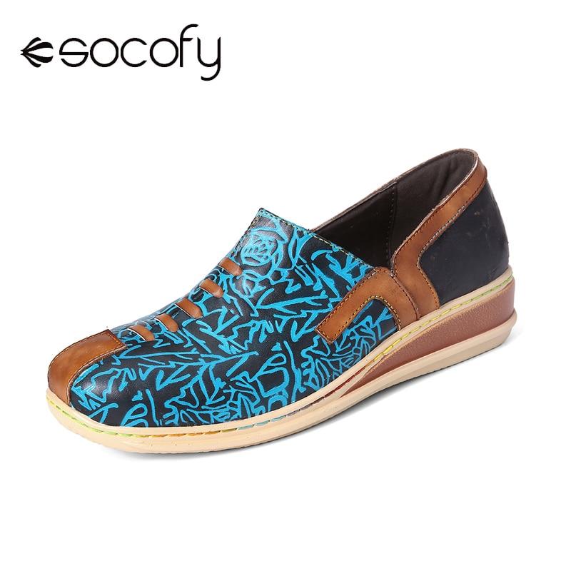 SOCOFY Retro Splicing Genuine Leather Embossed Pattern Wedge Heel Zipper Slip On Flat Casual Shoes Women Shoes Botas Mujer 2020