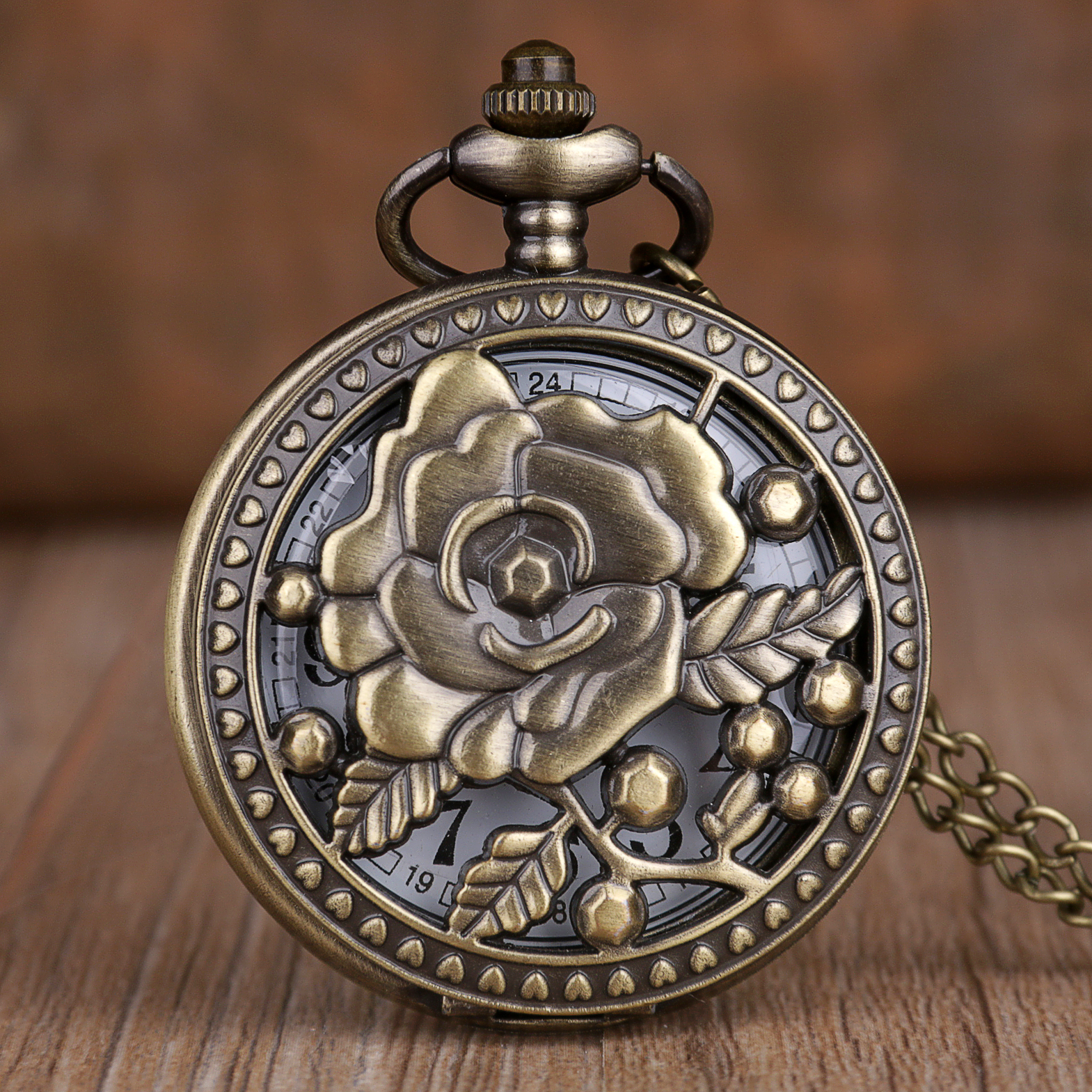 2019 New Game Flower Theme Bronze Quartz Pocket Watches Analog Pendant Necklace Chain Pocket Watches Mens Womens Gifts