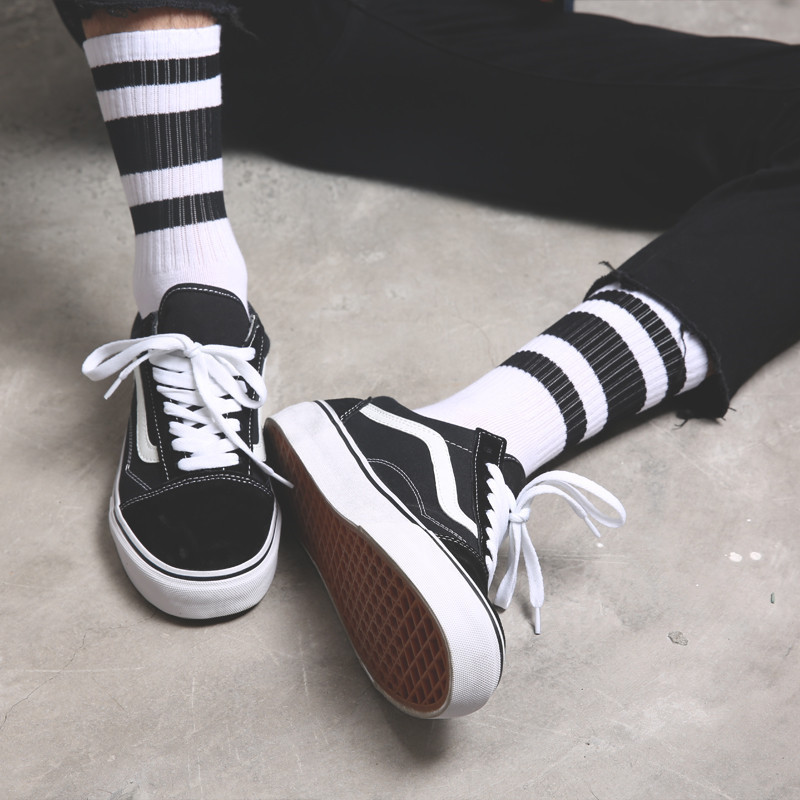1 Pair Of Men's Sokc Cotton Stockings Black And White Stripes Comfortable Winter Warmth Harajuku Breathable Handsome Socks Men
