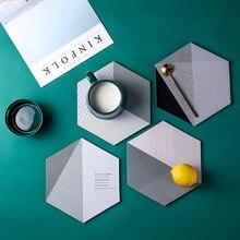 Прочный шестигранный пробковый коврик в современном дизайне