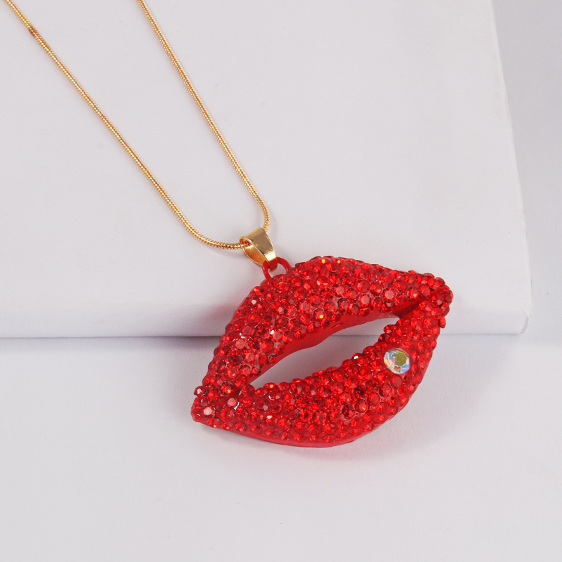 2020 trendy Hot-Sexy Red Lips Necklace Ladies Rhinestone Jewelry Necklace Sexy Style Gold Chain Necklacs For Party Gifts