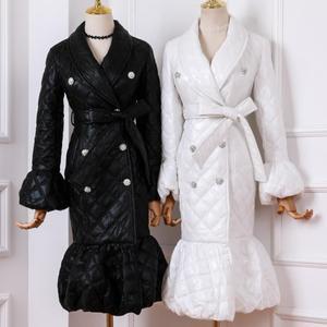 Женский двубортный Пуховик с отворотами, поясом и хлопковой подкладкой, с расклешенными рукавами, мантия-пальто на осень и зиму